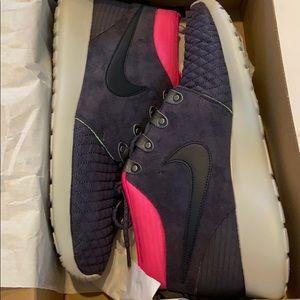 Men's Nike Rosherun MID Size 12